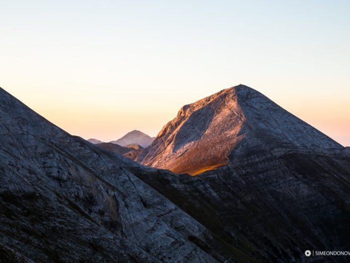 Връх Вихрен по изгрев, Национален парк Пирин