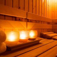 Свещи в сауна – интериорен детайл. Интериорна фотография - София