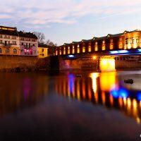 Покритият мост на майстор Кольо Фичето, град Ловеч. Забележителности България. Български забележителности.