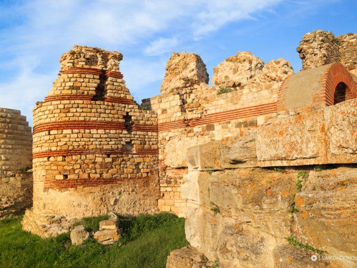 Крепостта на стария град, Несебър. Забележителности България. Български забележителности.