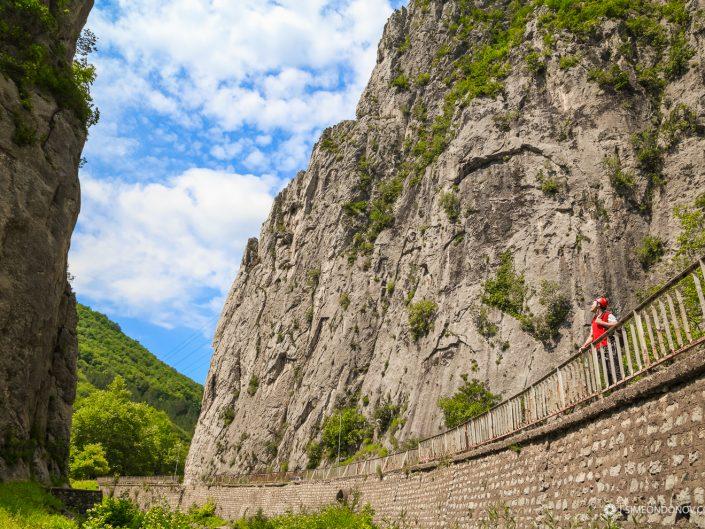 В очакване, проход Вратцата, Врачански Балкан