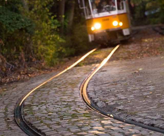Трамваят пристига на любимата ми Вишнева