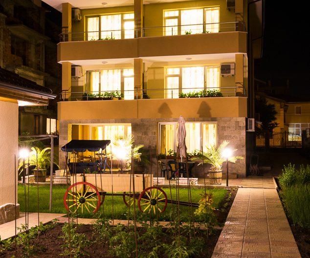 Къща за гости, Равда. Архитектурна фотография - София
