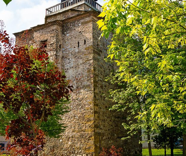 Кула на Мешчиите, град Враца. Забележителности България. Български забележителности.