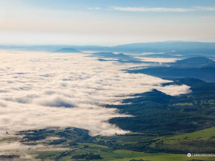 Сутрешна мъгла, изглед от връх Околчица