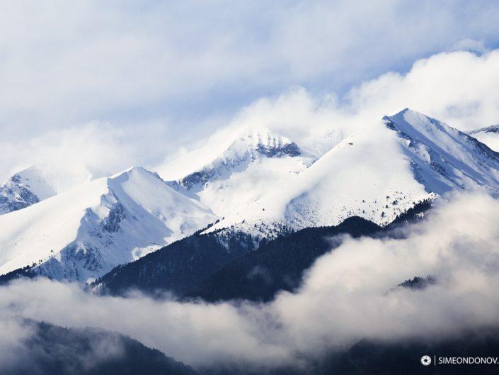 Зимен изглед към мраморното било н