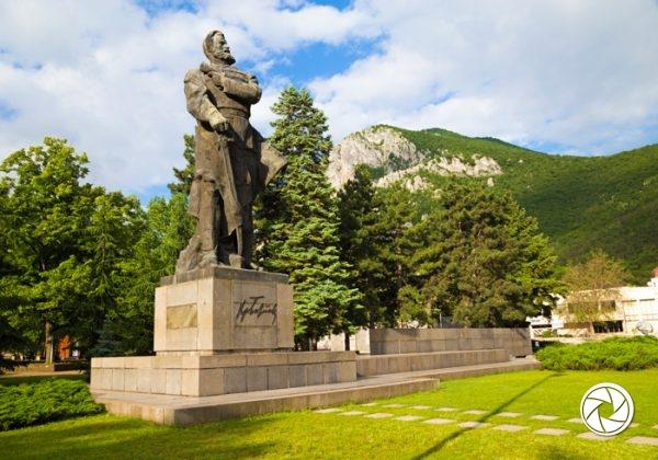 Паметникът на Христо Ботев, град Враца