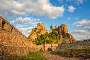 Белоградчишка крепост и скалите