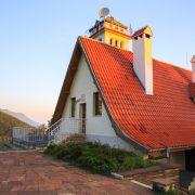 Хижата по изгрев, град Враца