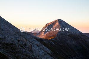 Вихрен по изгрев. Национален парк Пирин.
